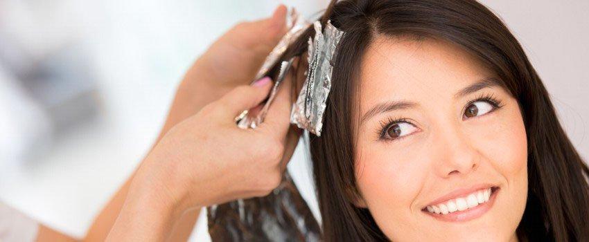 Haarefärben beim Friseur in der Hansestadt