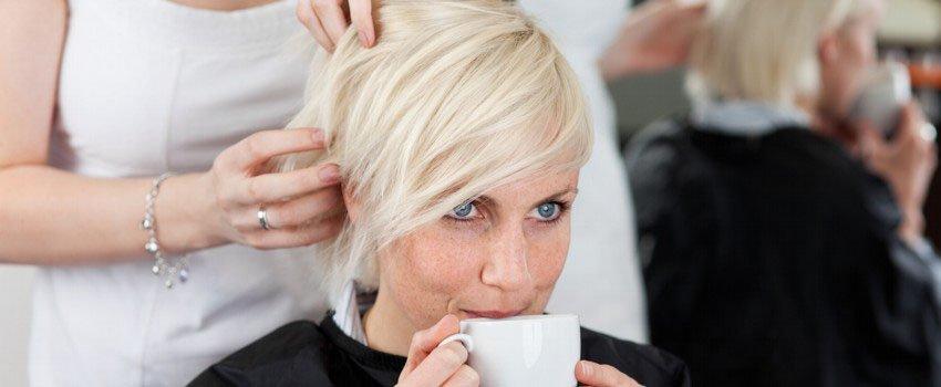 Kaffee ist Kundenservice beim Friseur in Wismar